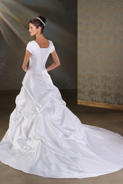 Short sleeve wedding dress with pick up skirt