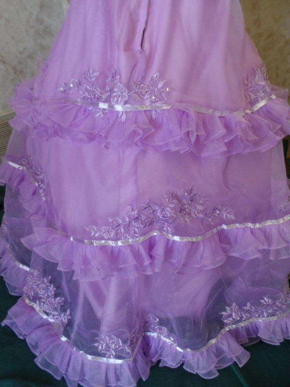 purple ribbon and ruffle skirt back