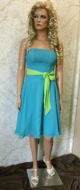 blue dress with lime sash