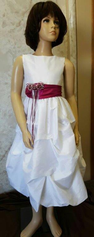 size 10 in white and fuchsia