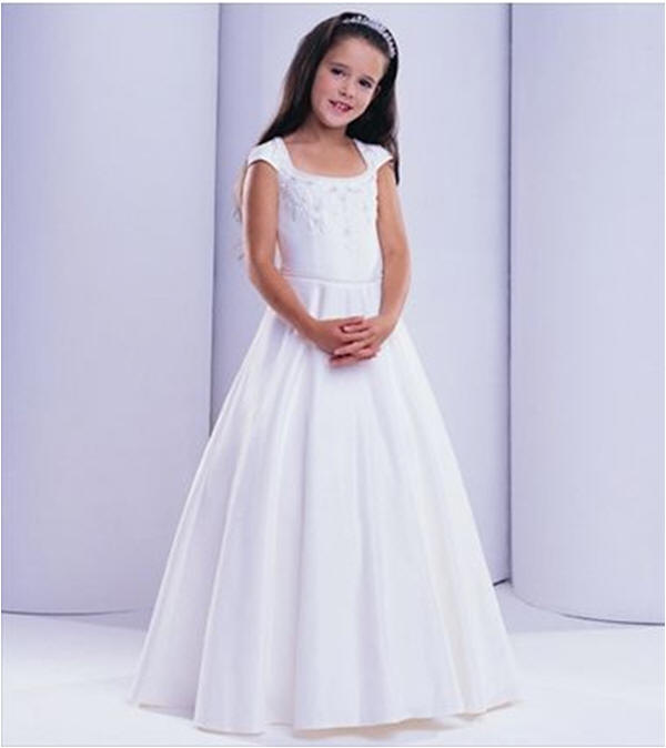 flower girls long white dress with short sleeves