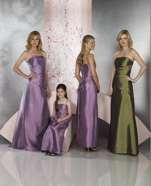 Lilac & Olive�matched bridal party dress styles