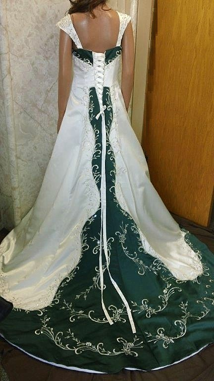 Wedding Dresses With Green Color Accents 59