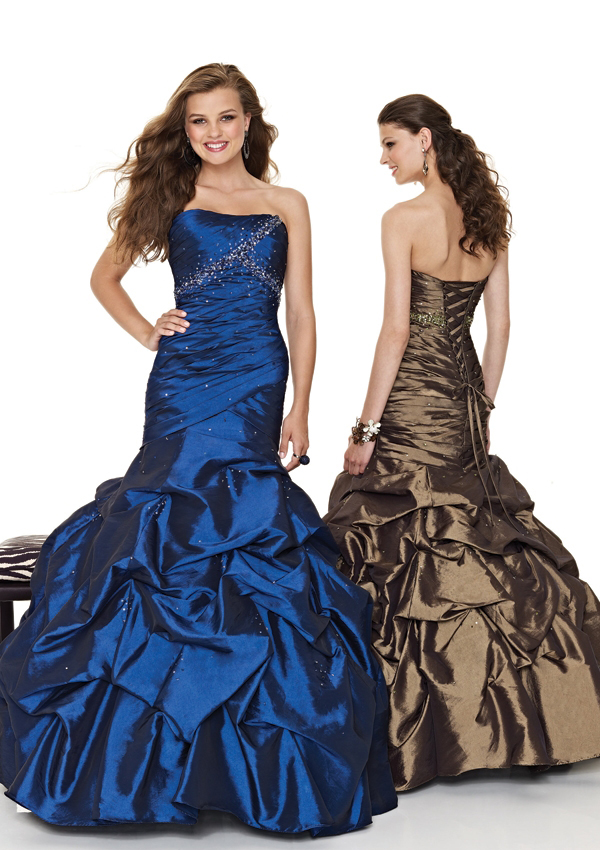 Strapless mermaid pickups Prom gown