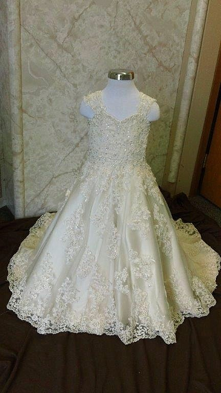 lace flower girl wedding dresses