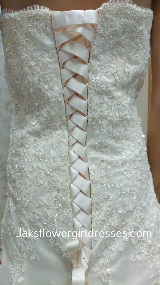 lace halter wedding dress