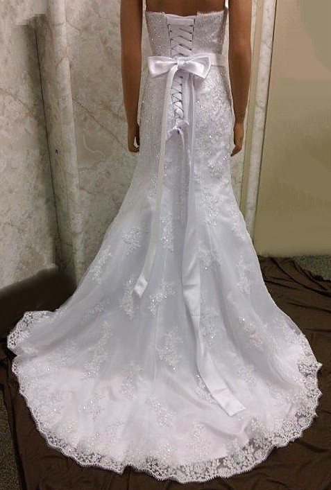 corset wedding dress with bow
