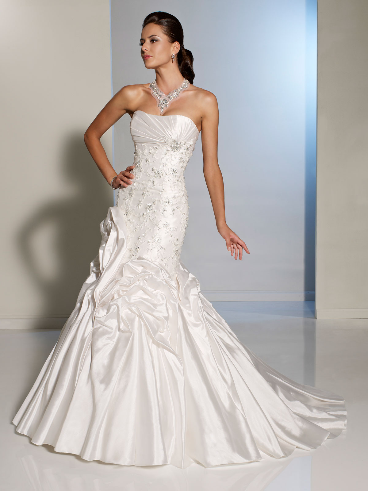 Sleek Strapless Mermaid Wedding Gown