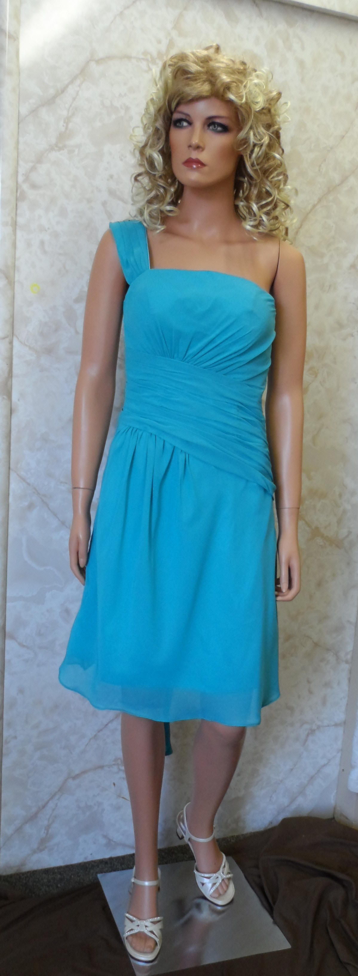 Blue bridesmaid dresses.