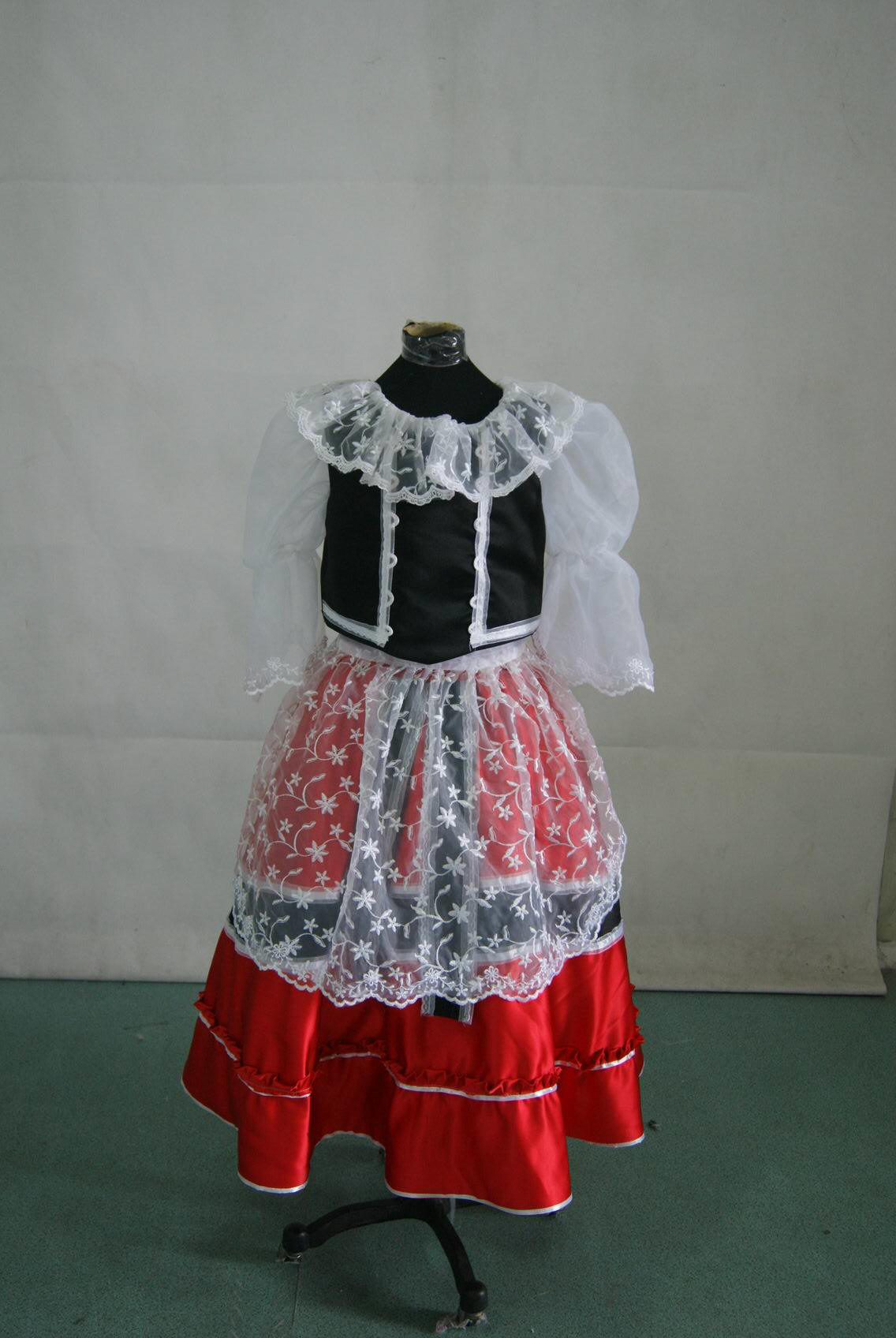 Czech outfits in red white and black