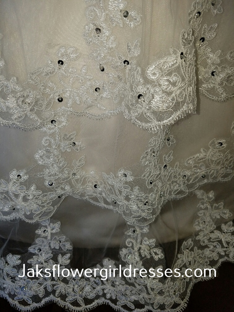 lace tiers
