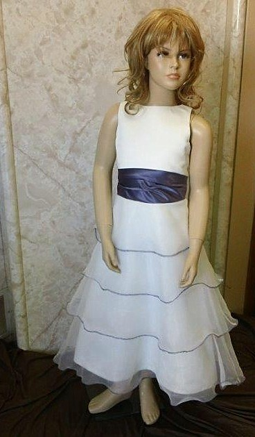 light ivory sleeveless dress with lilac size 9
