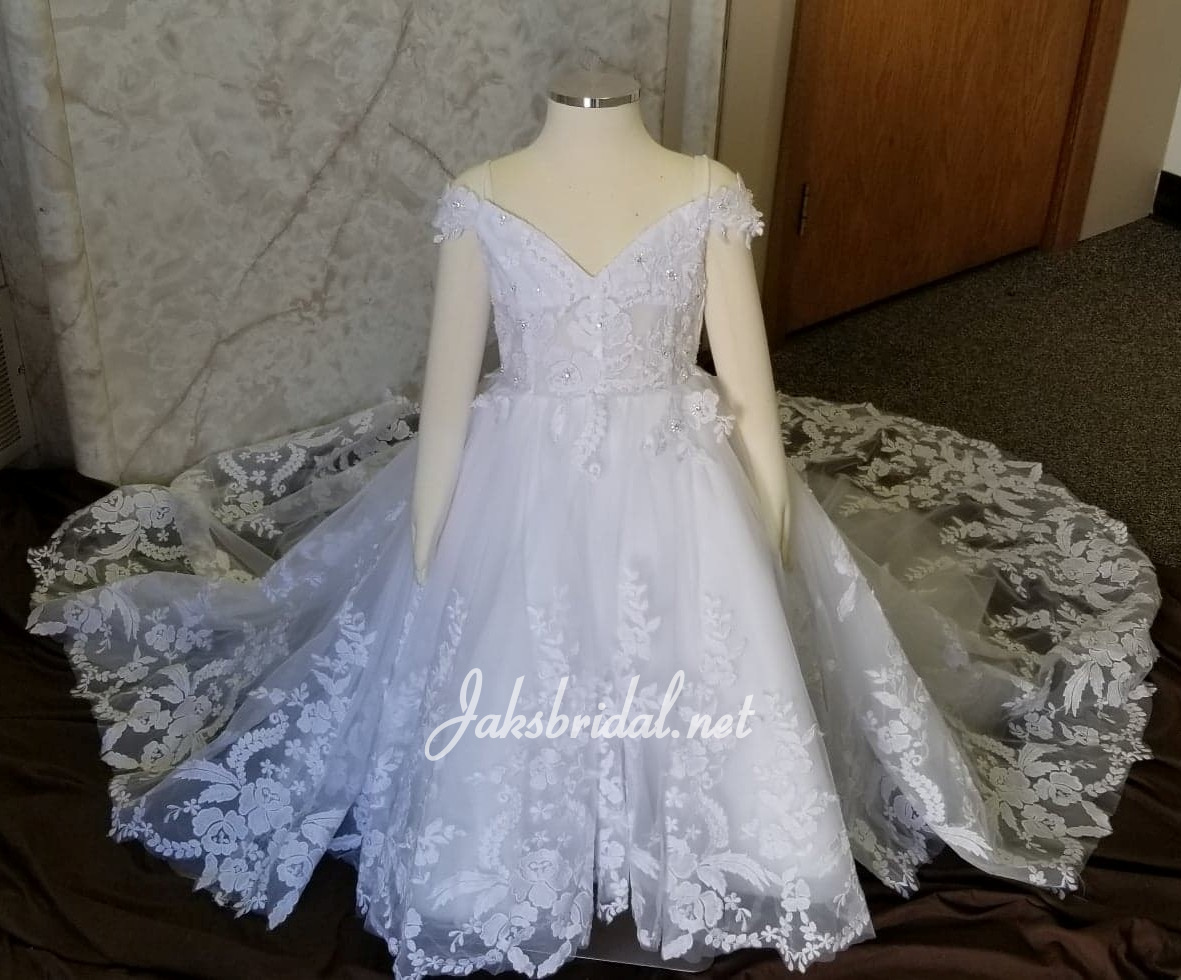 sweetheart flower girl dress with lavish train