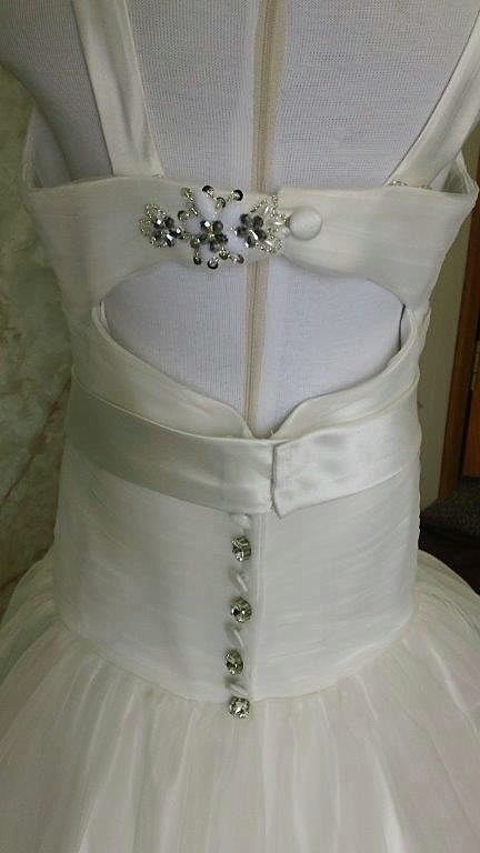 Keyhole back wedding dress for flower girl