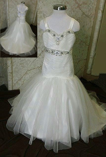 Keyhole back wedding dress and matching flower girl dress