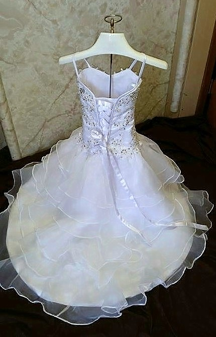 white junior bride dresses with train