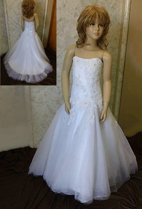 Beaded lace wedding dress for flower girls
