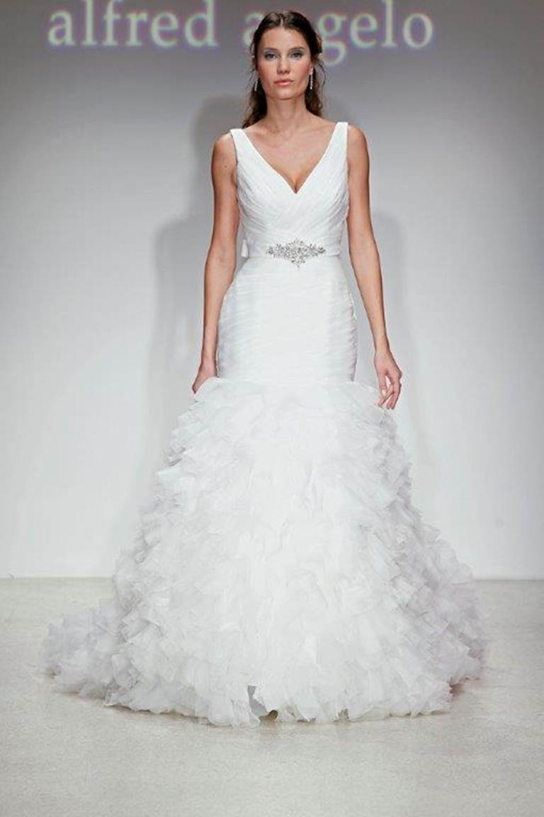 Match my Alfred Angelo 2398 dress
