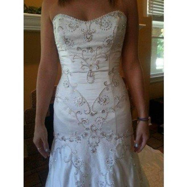 brides dress picture