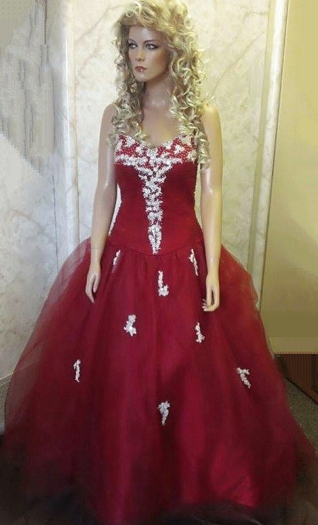 red sweetheart prom dress