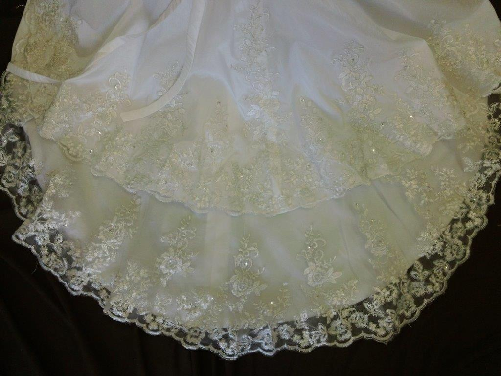 Double layer lace train