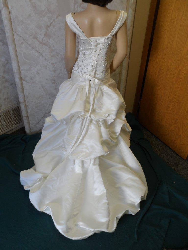 pickup train wedding gown