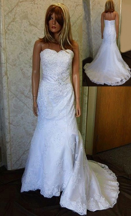Sweetheart Fit and Flare Lace Wedding Gown