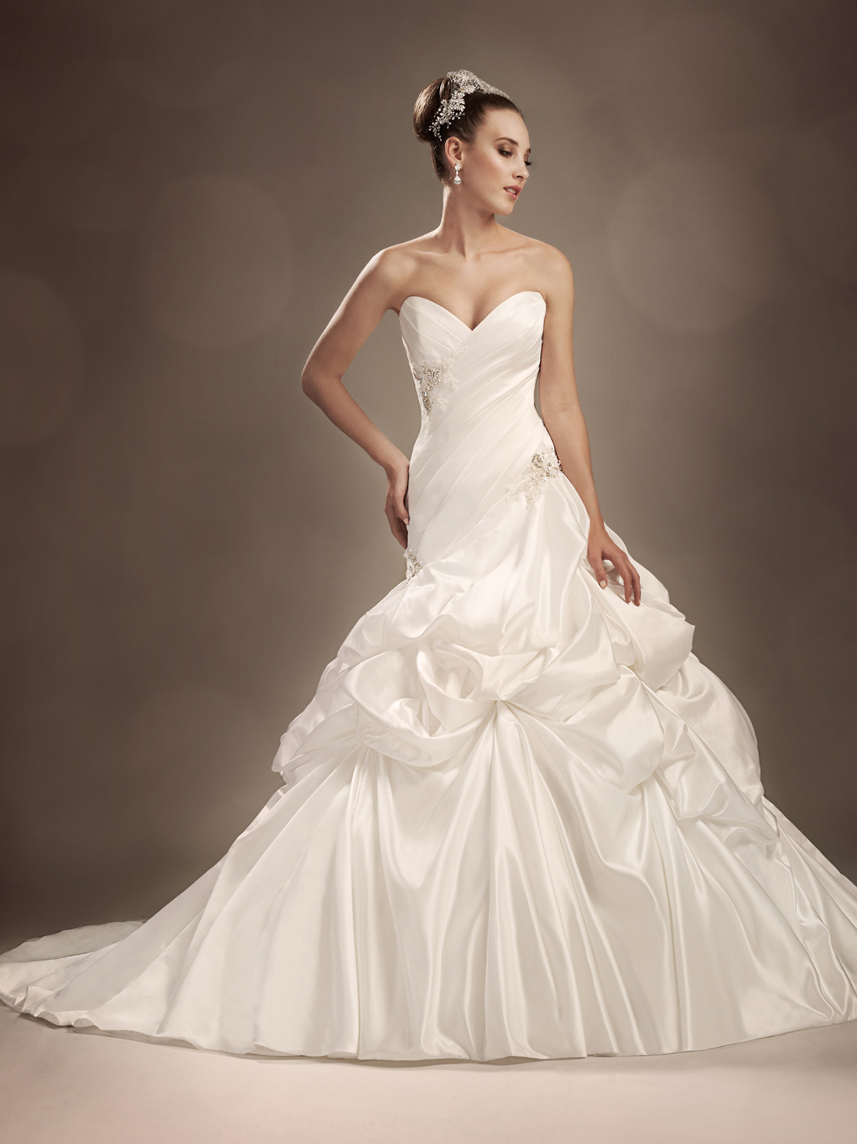 sweetheart pickup wedding gown