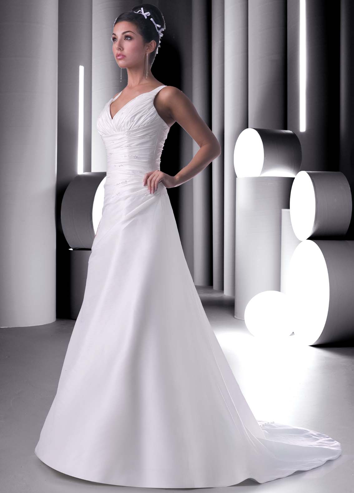 Discount wedding gowns and dresses under 300 for Plain wedding dresses with straps