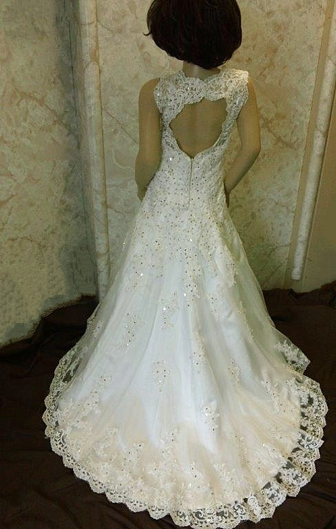 key hole miniature bridal gown