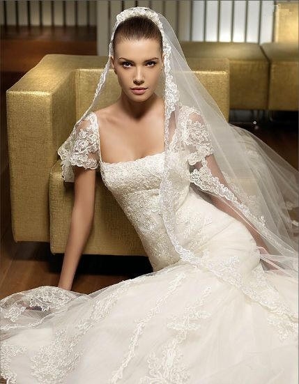 wedding gown appliqued tulle and lace