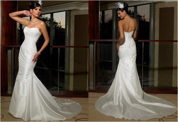 strapless white mermaid wedding dress