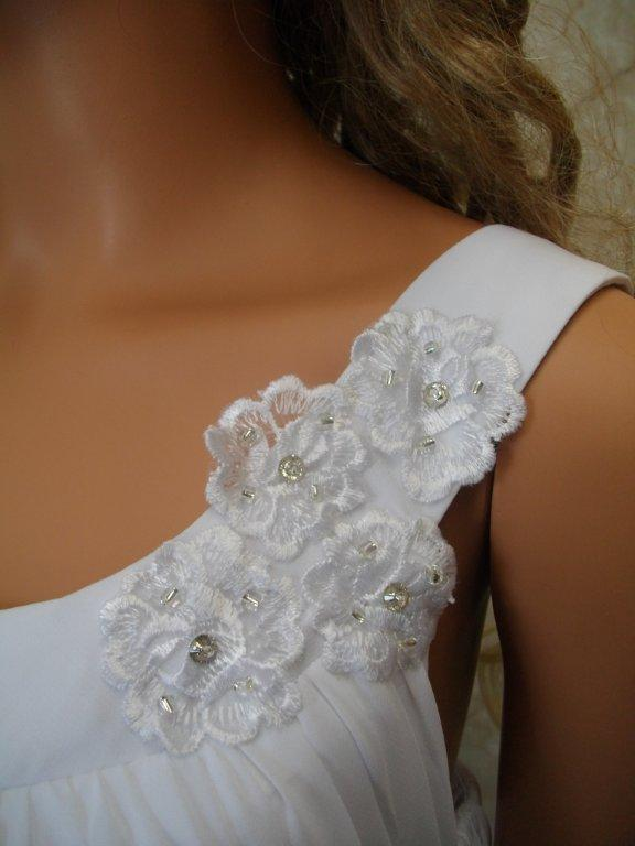floral applique on shoulder of mothers of the bride dresses