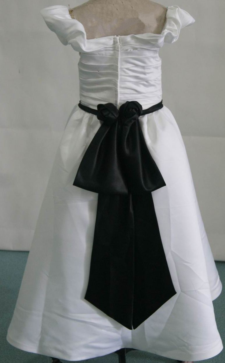 black and white off shoulder flower girl dresses
