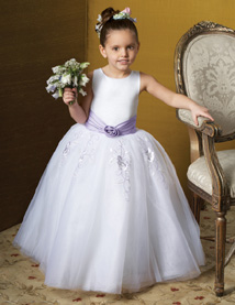 White and lilac flower girl dresses $40.00