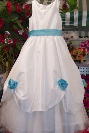 Flower girl dresses in white or ivory