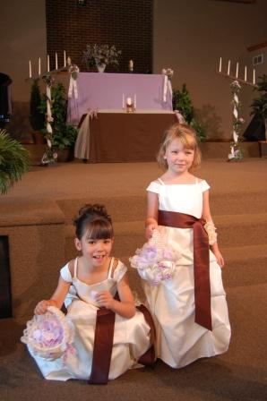 flower girls in pick up dress