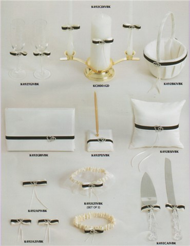 black and white theme wedding accessories