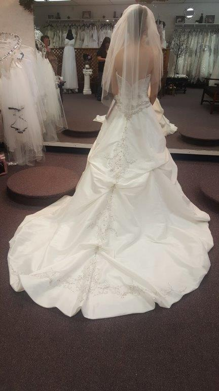 match my wedding dress for my flower girls dress