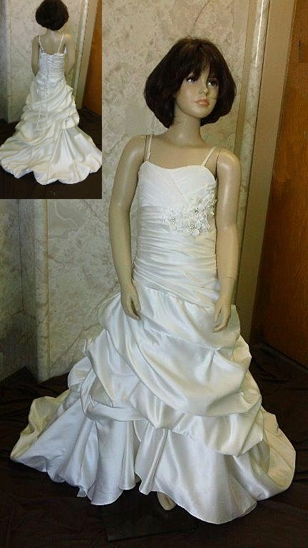 Pick up wedding dress for flower girls