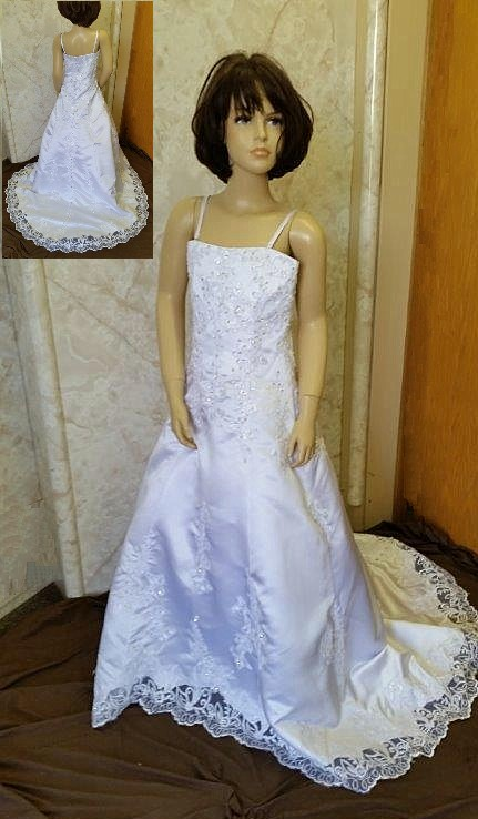 Jr bride dress to match bride