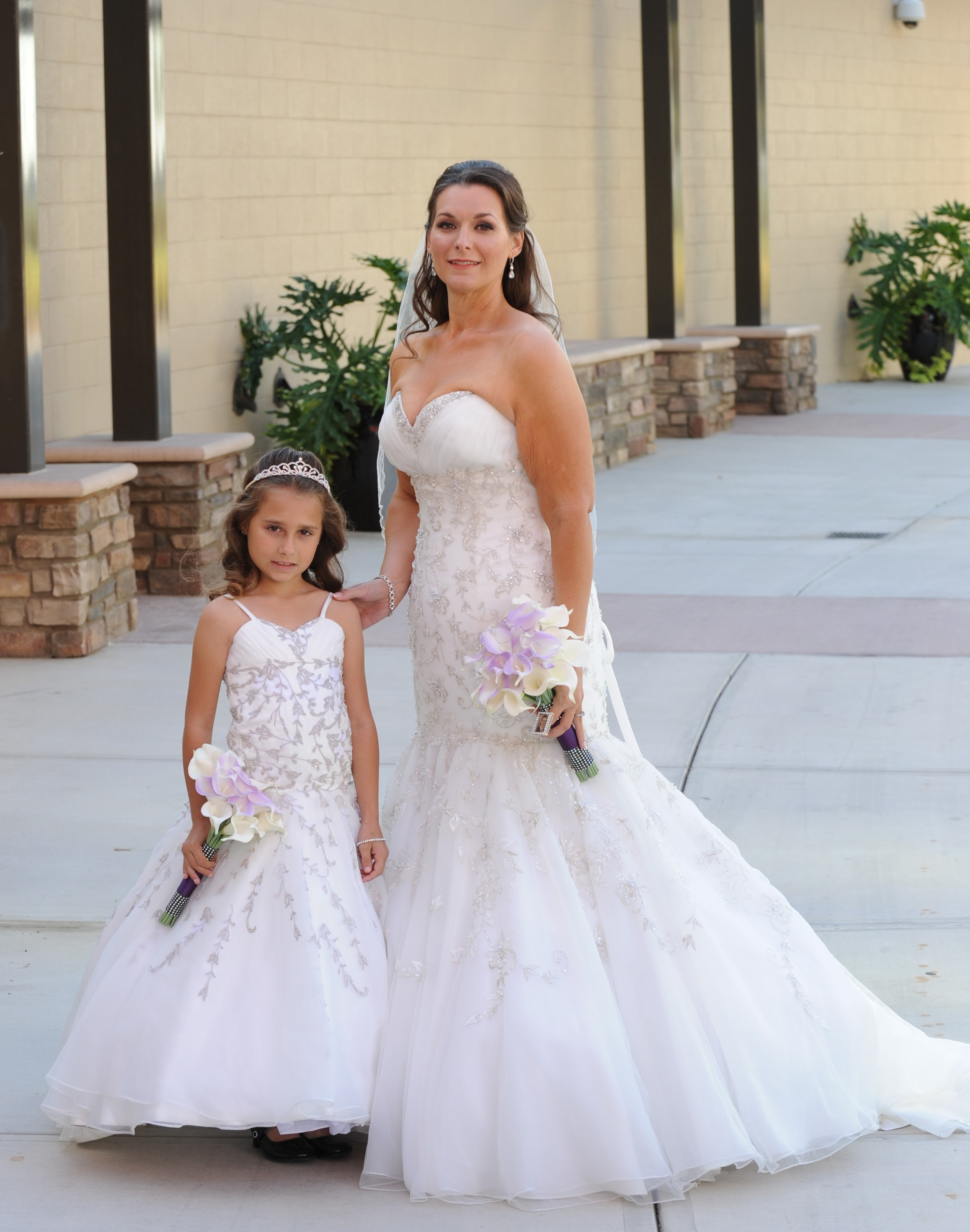 mother and daughter matching wedding dresses