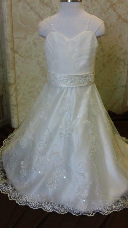 ivory lace appliqed flower girl dress