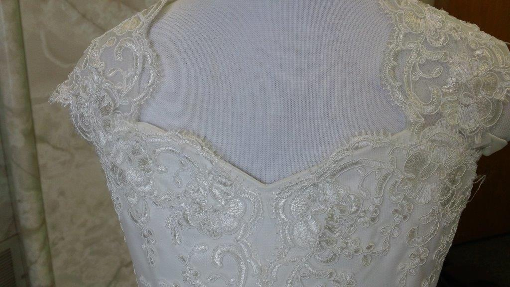 lace sweetheart bodice