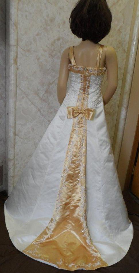 flower girl dress to match brides
