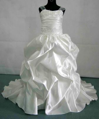 white miniature bridal gown