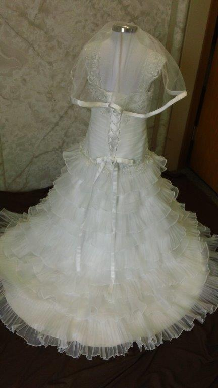 little girl wedding dress and veil